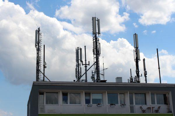 Mobilfunkmasten auf dem Haus - eine Gefahr für die Gesundheit